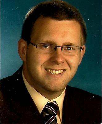 Herr Roy Hedermann hilft Ihnen bei allen Fragen rund um Ihre Hausverwaltung gern weiter