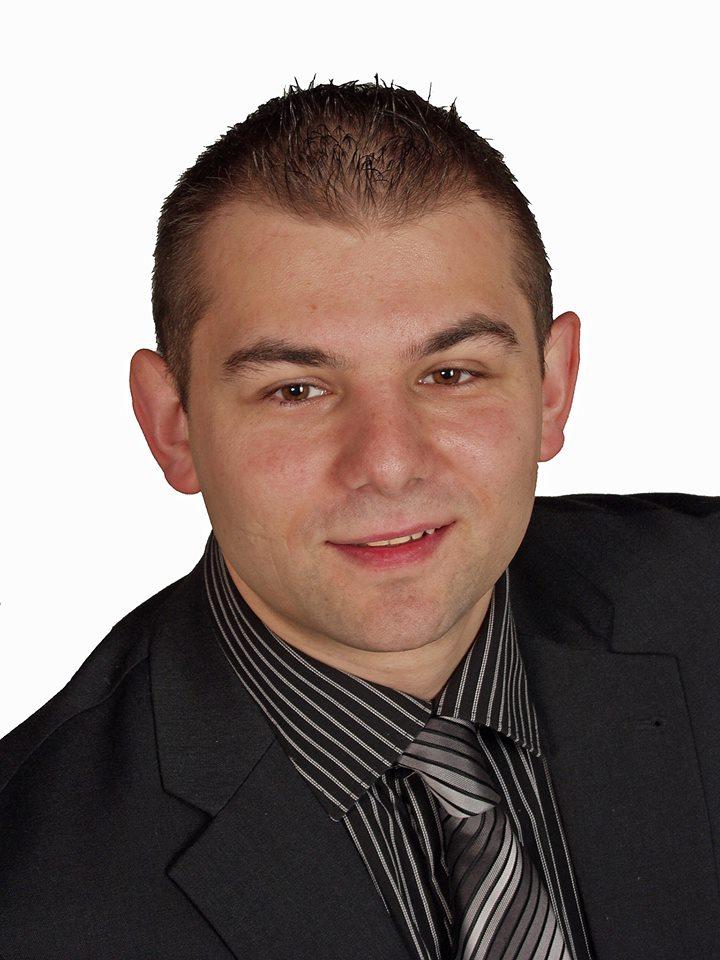 Herr Dalibor Nemet hilft Ihnen bei allen Fragen rund um Ihre Hausverwaltung gern weiter
