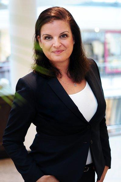 Frau Janine Petersen hilft Ihnen bei allen Fragen rund um Ihre Hausverwaltung gern weiter