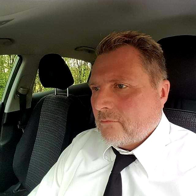 Herr Rainer Danzmann hilft Ihnen bei allen Fragen rund um Ihre Hausverwaltung gern weiter